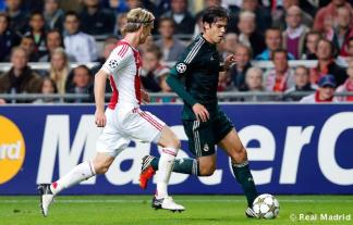 kaka vs ajax (21)