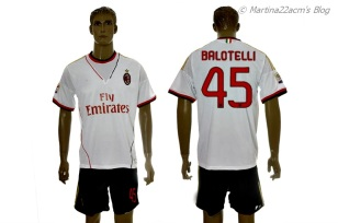 PHOTOS - Milan's Official 2013-2014 Jerseys (2)