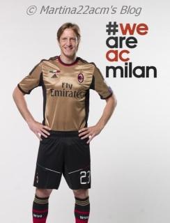 PHOTOS - Milan's Official 2013-2014 Jerseys (6)