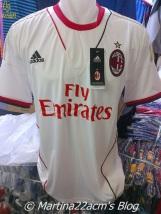 PHOTOS - Milan's Official 2013-2014 Jerseys (9)
