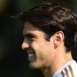 kaka first training milanello (33)